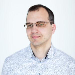 Виктор Комар