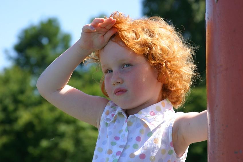 Тепловой и солнечный удар у ребенка Что делать если ребенок перегрелся