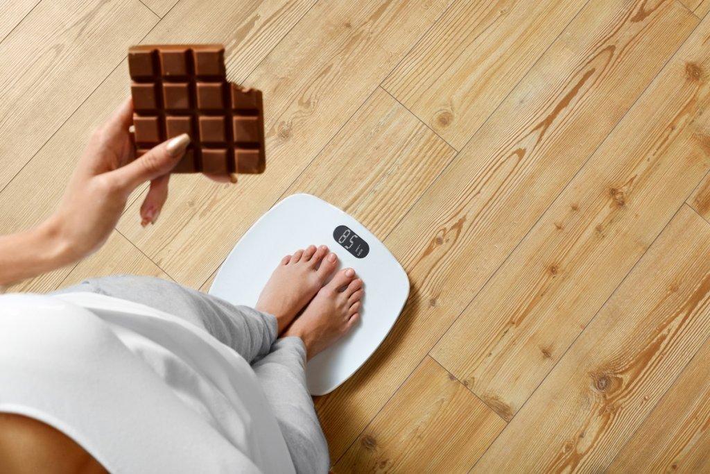 Как шоколад влияет на лишний вес