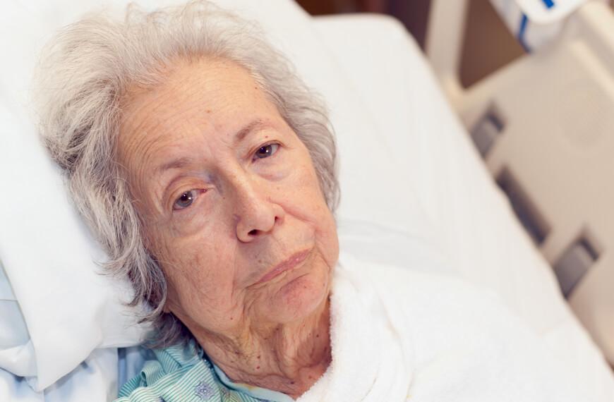 Что может привести к развитию болезни Альцгеймера?