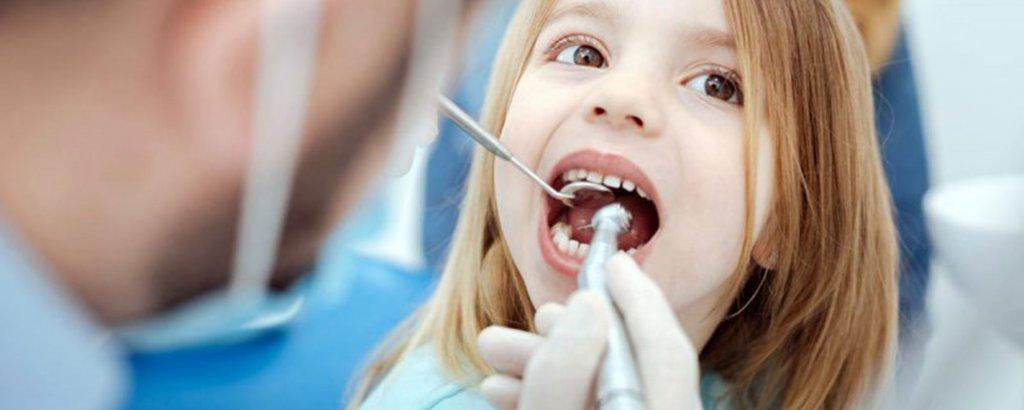 фтор защищает зубы от кариеса