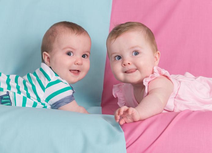 годовалые близнецы
