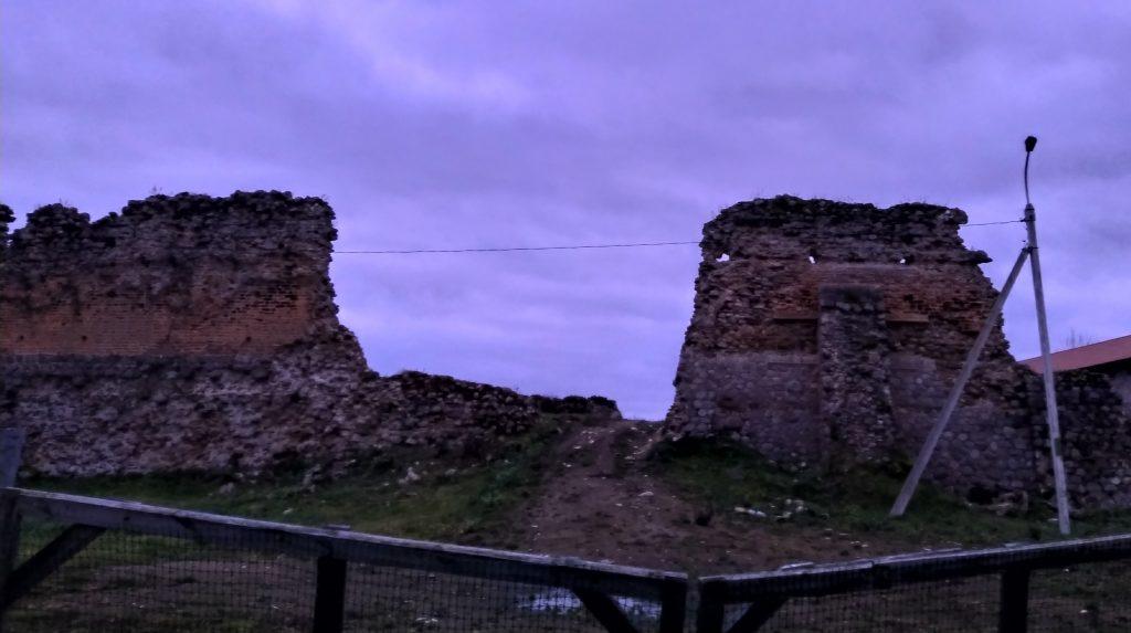 Руіны Крэўскага замка.