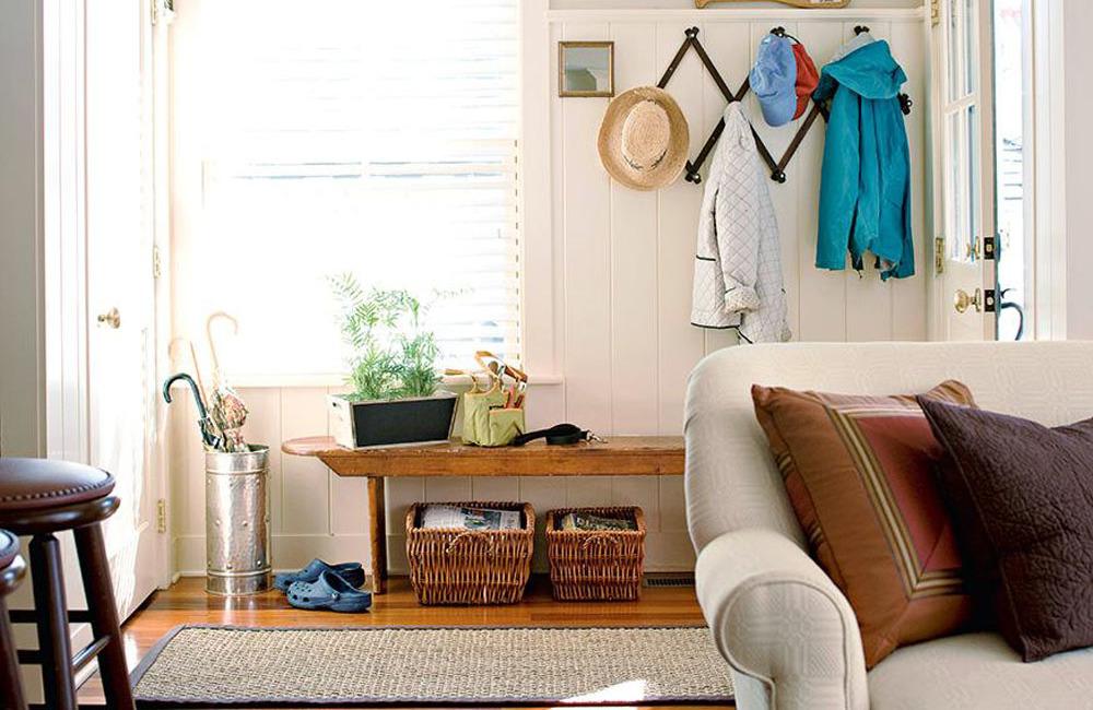 Безопасный дом - зона для обуви у входа в доме