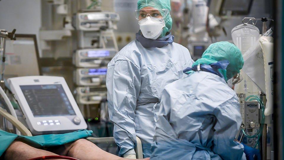 врачи лечащие коронавирус