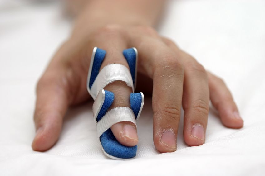 если сломан палец