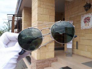 серые очки