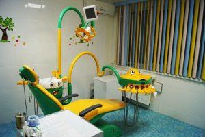 кресло стоматолога детское