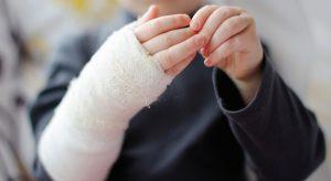 травма руки у ребенка