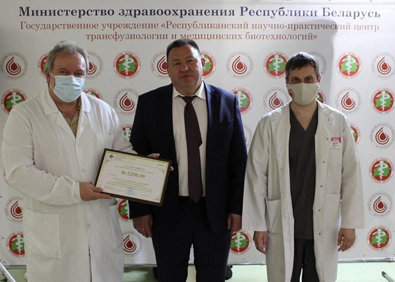 Директор РНПЦ трансфузиологии и медицинских биотехнологий, главный внештатный специалист Минздрава по трансфузиологии, кандидат медицинских наук Федор Карпенко