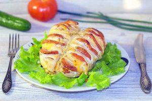 Куриное филе в фольге с овощами на гриле