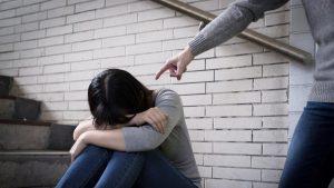 Чувство одиночества и вины. Родительские упреки и оскорбления