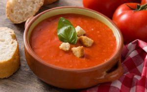 Суп из запеченных помидоров с чесноком