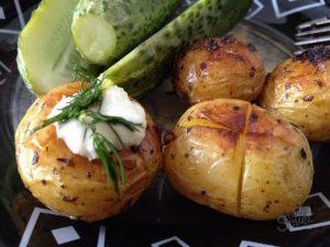 картофель и огурцы